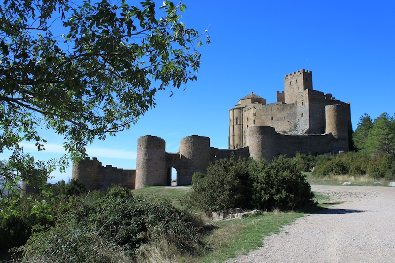 Discover the history of Aragon at the Loarre castle.